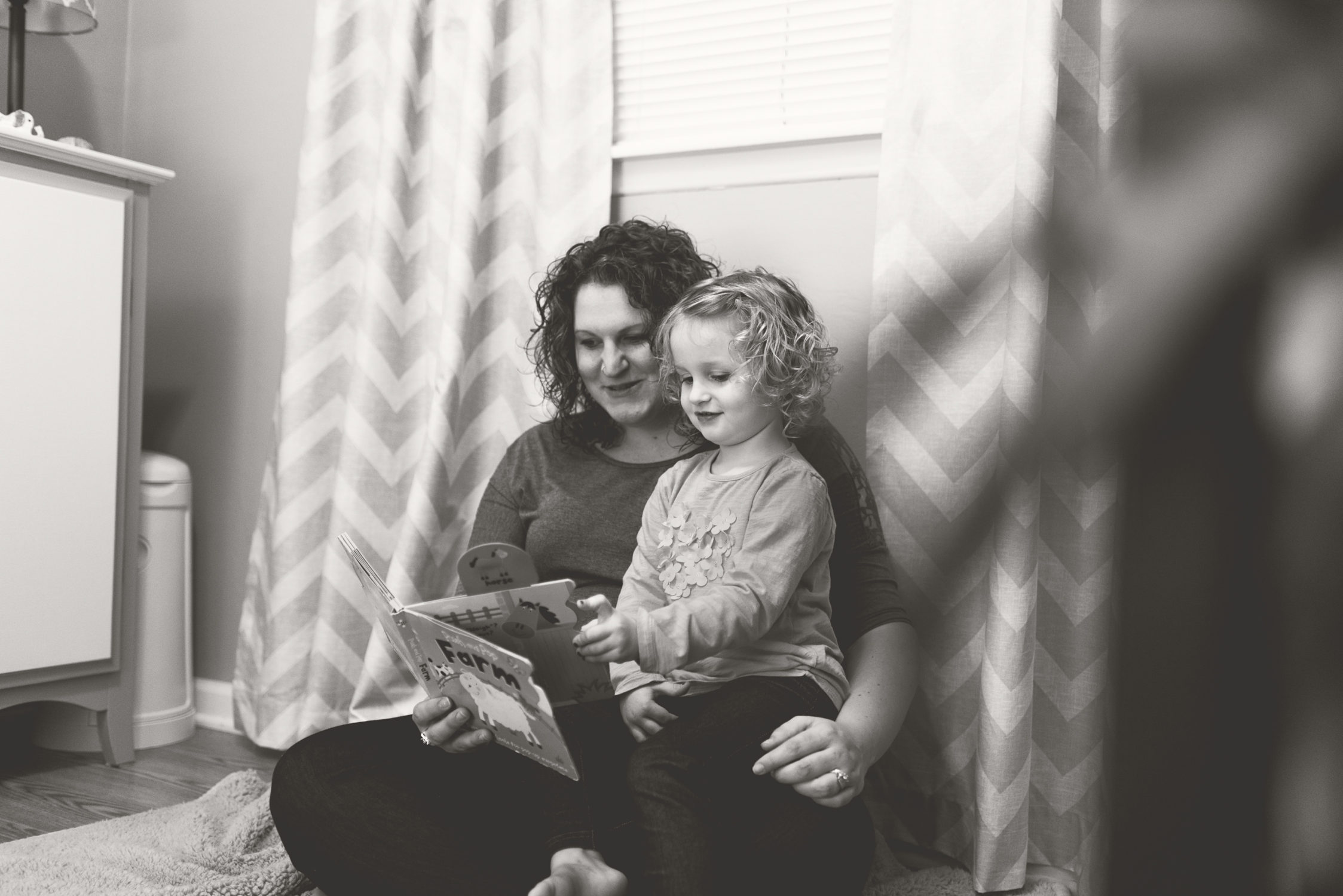 mom and me lifestyle macomb county photographer family toddler maternity pregnancy